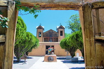 Santuario de Chimayo, Chimayo, New Mexico, William Aranda (WikiMedia Commons)