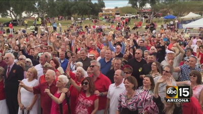 "Hundreds of couples spent their Valentine's Day saying ""I do"" all over again in Fountain Hills."
