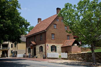 Moravian Bakery in Old Salem, NC. Photo by David Bjorgen, accessed through WikiCommons.