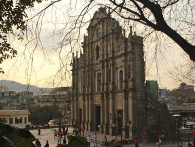 Macau_cathedral_facade_400
