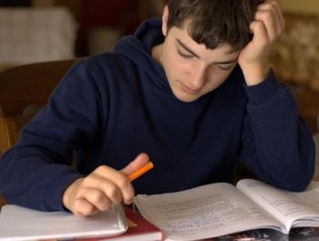 teen_studying_350